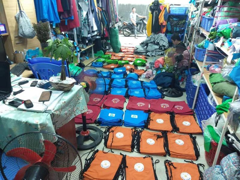 Áo Mưa Khánh Chi là địa chỉ chuyên sỷ - lẻ các loại áo mưa uy tín tại Hà Nội