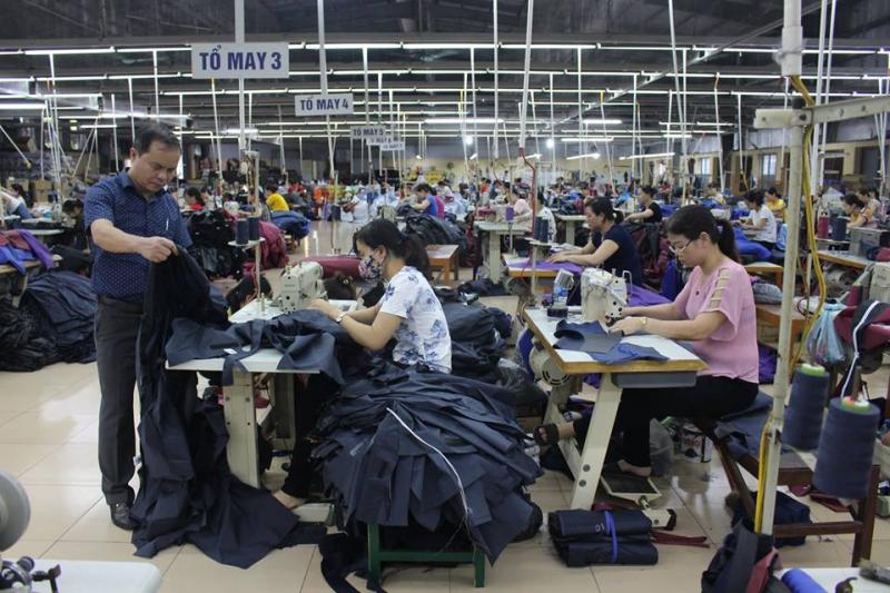 Áo mưa Sơn Thủy là một trong những thương hiệu nổi tiếng được người tiêu dùng tín nhiệm với các sản phẩm áo mưa cao cấp