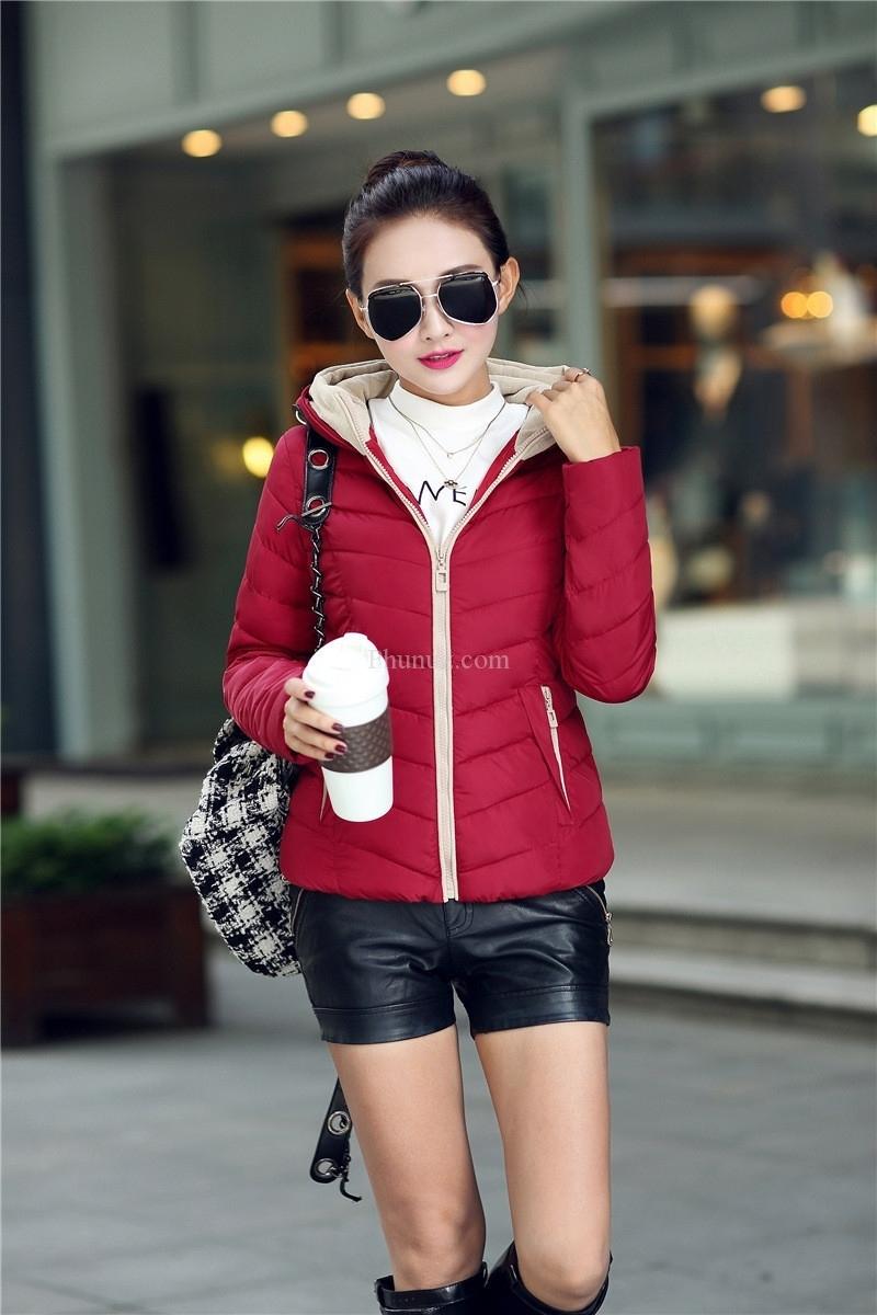 Áo phao nữ màu đỏ đô lựa chọn hoàn hảo cho bạn gái