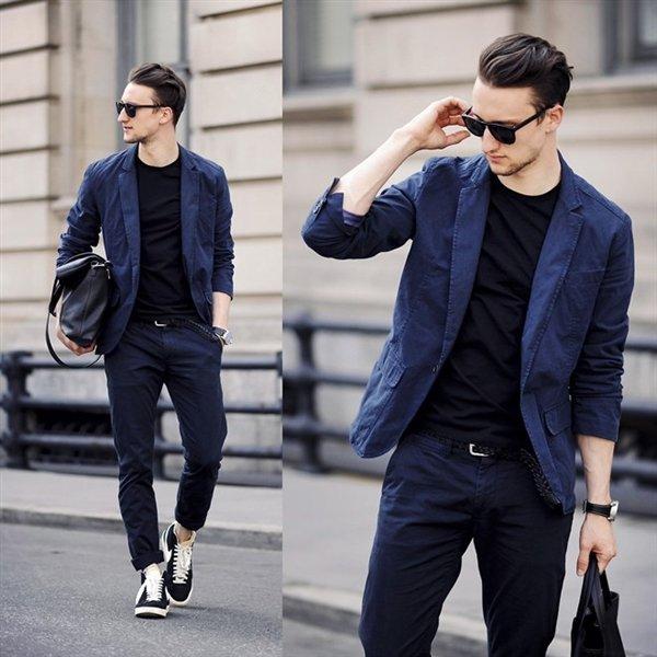 Áo vest + Quần jeans + giày sneaker