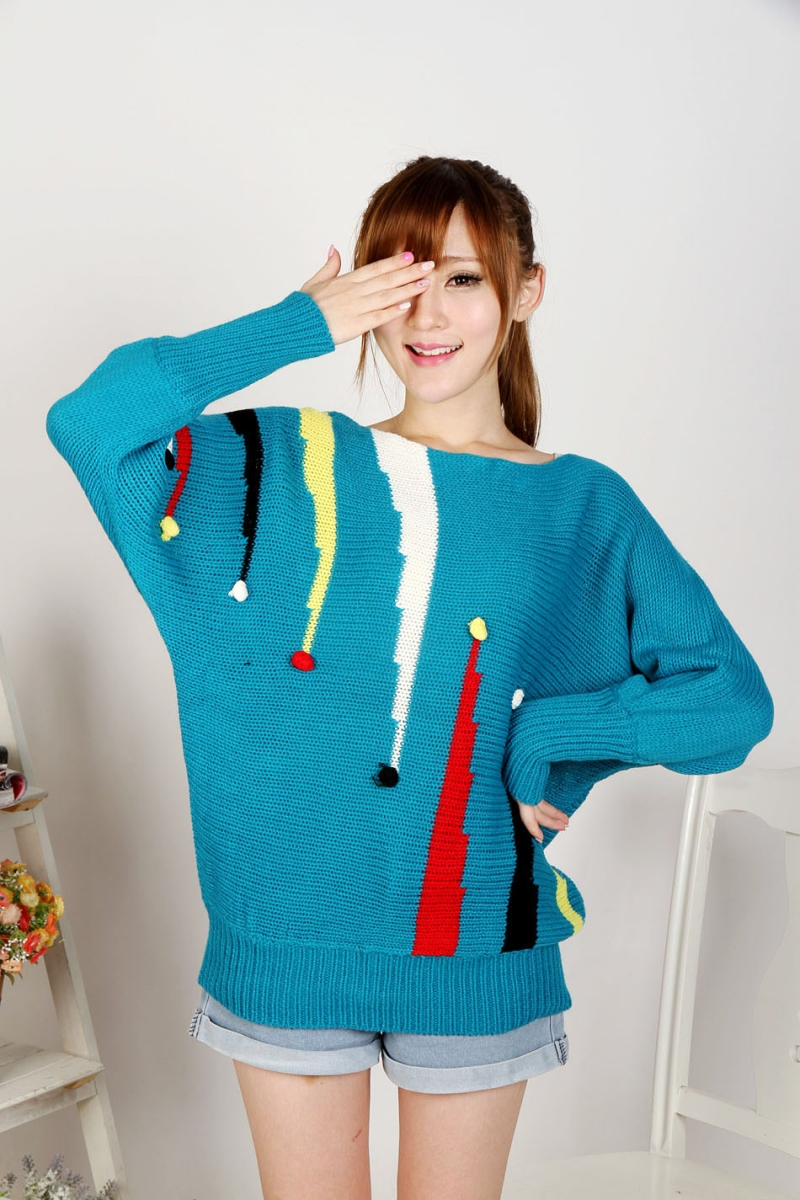 Áo len tay dài cánh dơi với màu xanh thanh lịch