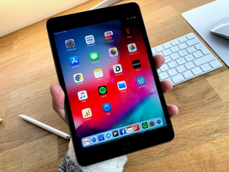 Apple iPad Mini (2019) mới đi kèm với bộ vi xử lý A12 Bionic mạnh mẽ và kiến trúc 64 bit là một bước nhảy vọt về hiệu năng.