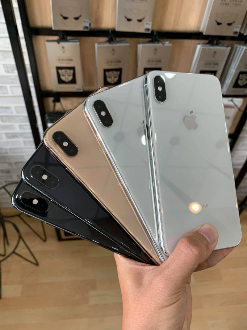 Apple Khánh Tấn