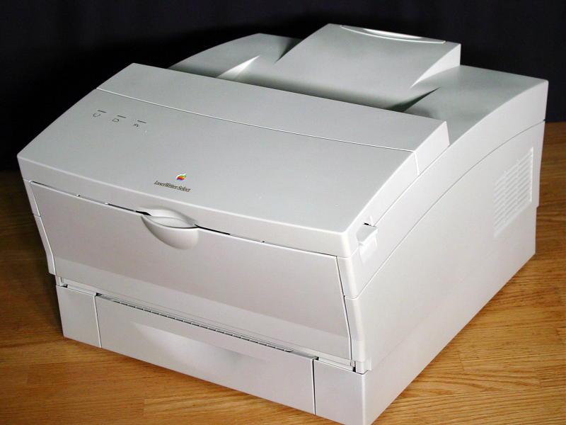 Apple LaserWriter (năm 1985)