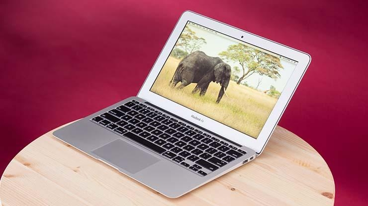 Apple MacBook Air (11-inch, 2015)