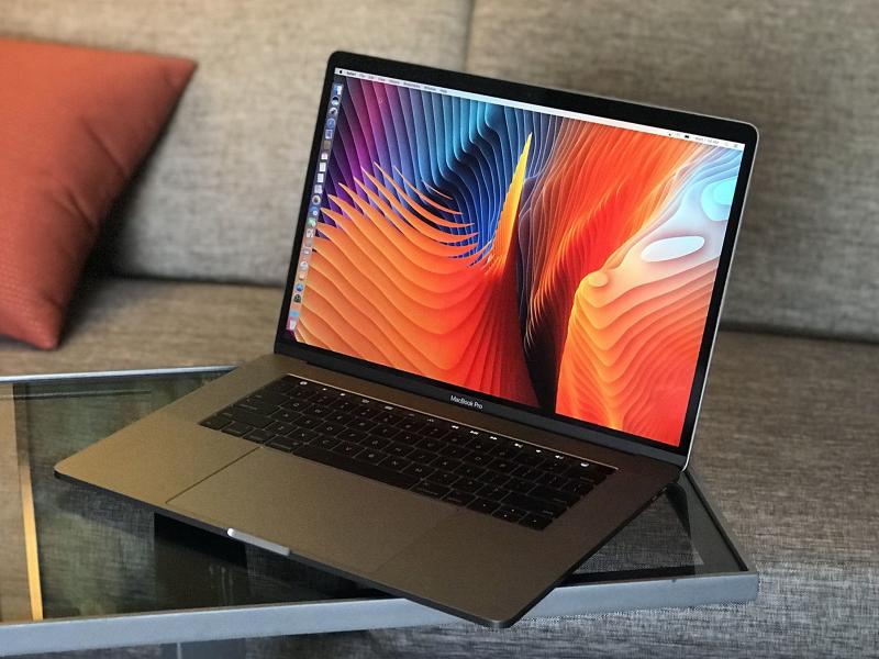 Nếu thoải mái về kinh tế, Macbook Pro là lựa chọn hàng đầu