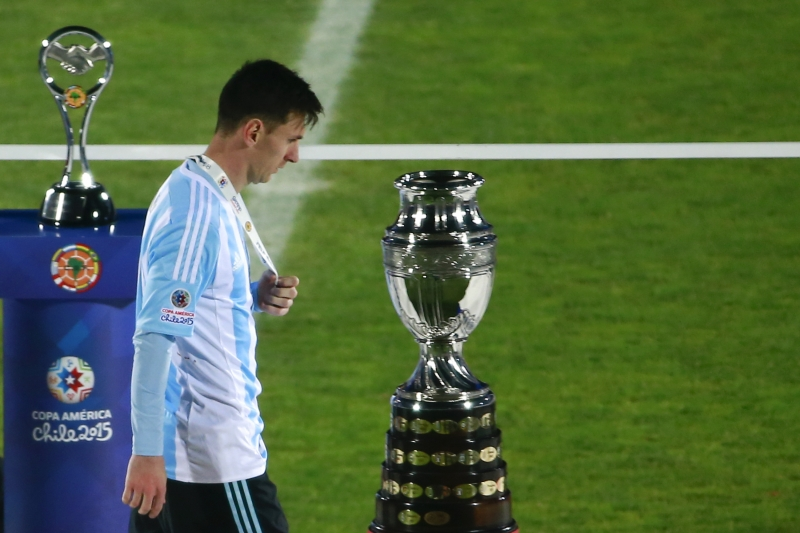 Lại một lần nữa Messi lỡ hẹn với danh hiệu đầu tiên cùng Argentina