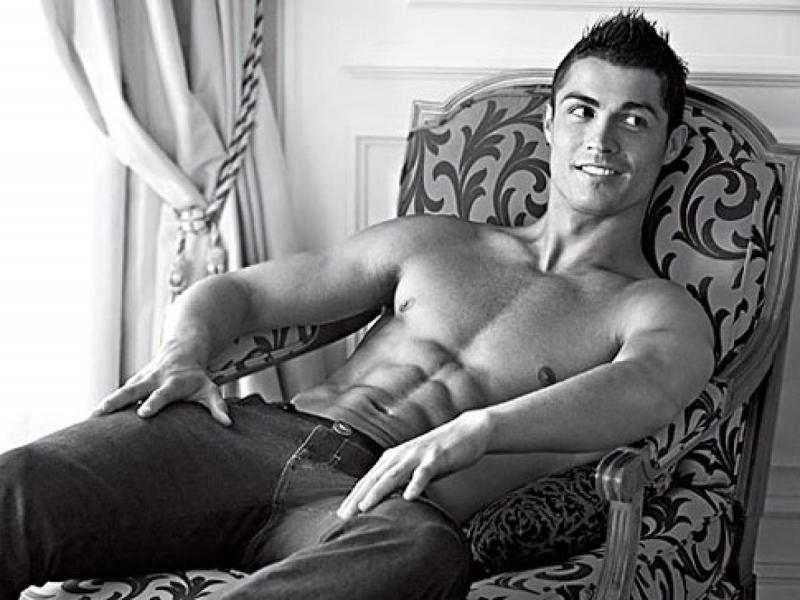 Ronaldo trong hình ảnh quảng cáo cho hãng đồ lót Armani