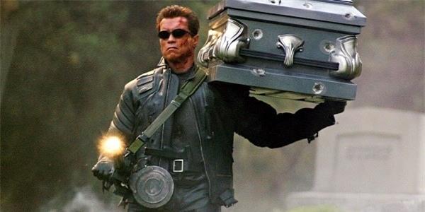 Arnold Schwarzenegger trong phim Kẻ hủy diệt