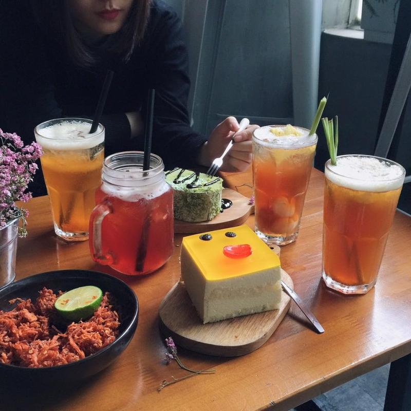 Một số đồ ăn, uống tại Aroi Dessert Cafe