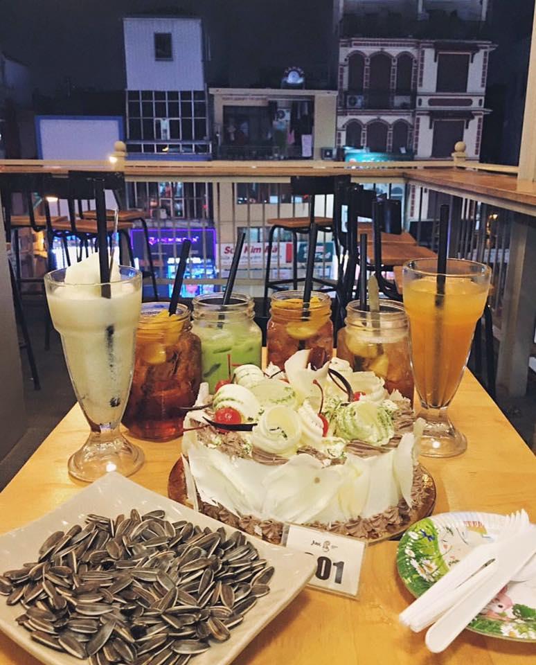 Aroi Dessert Café
