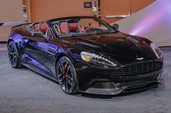 Vanquish là mẫu xe cuối cùng của Aston Martin xuất hiện phiên bản Carbon