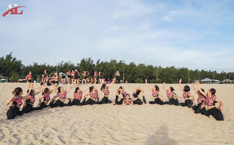 Tập luyện trên biển cùng hội viên của Âu Lạc Fitness Center