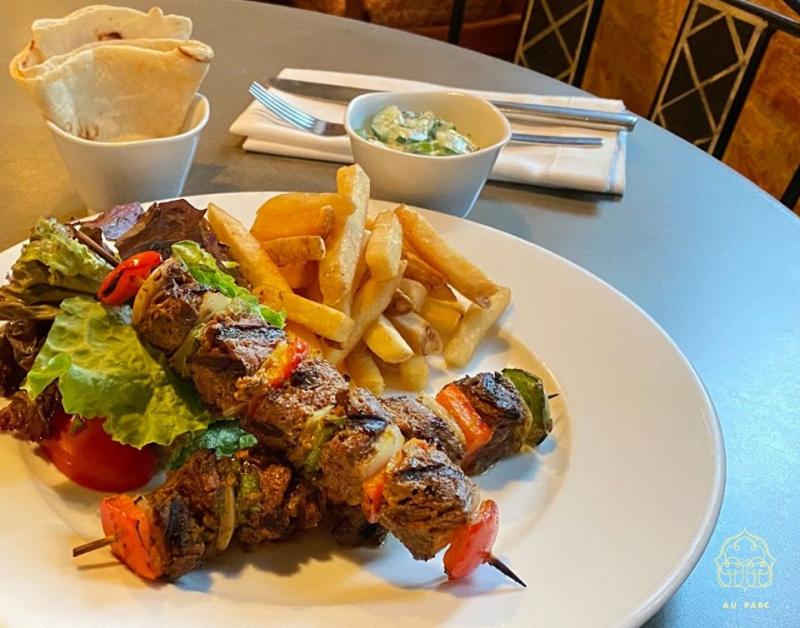 Món ăn tại nhà hàng