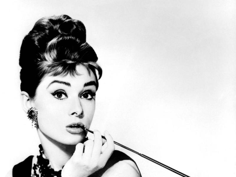Ít ai có thể phủ nhận thành công của Audrey Hepburn với tượng vàng Oscar năm 24 tuổi.