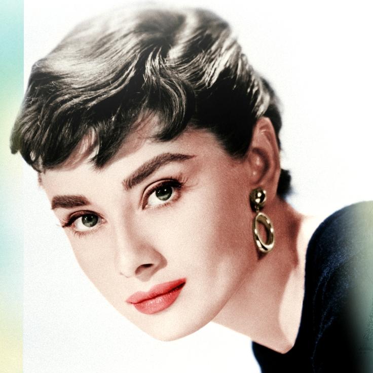 Audrey Herpburn có đôi mắt trong sáng