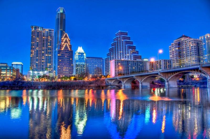 Austin là thành phố lớn thứ 4 của bang này và lớn thứ 16 nước Mỹ