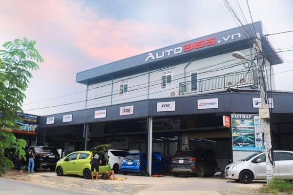 Auto365 Bình Dương luôn tấp nập khách hàng