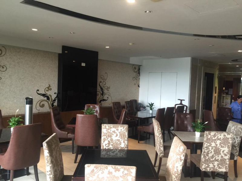 Avalon cafe & Lounge
