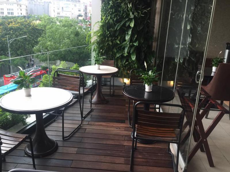 Avalon cafe & Lounge nằm trong top những quán cà phê được ưa thích nhất ở Hồ Gươm.