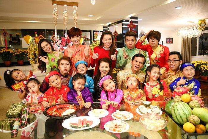Top 8 hoạt động chính không thể thiếu trong ngày Tết tại Việt Nam - Toplist. vn