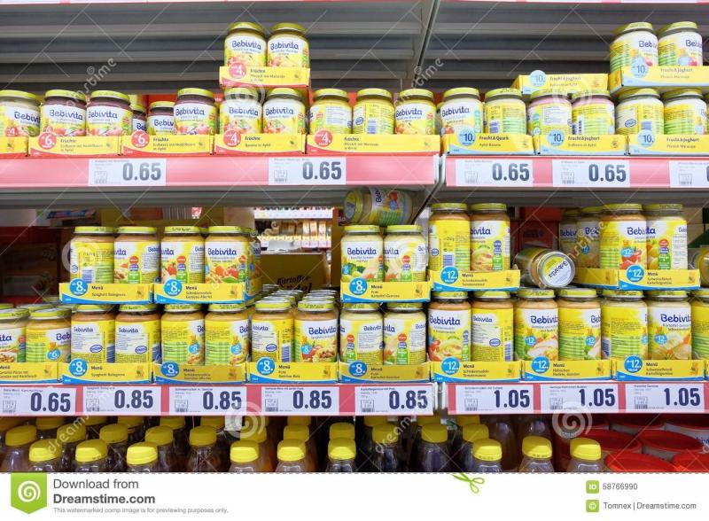 Gian hàng sữa của shop