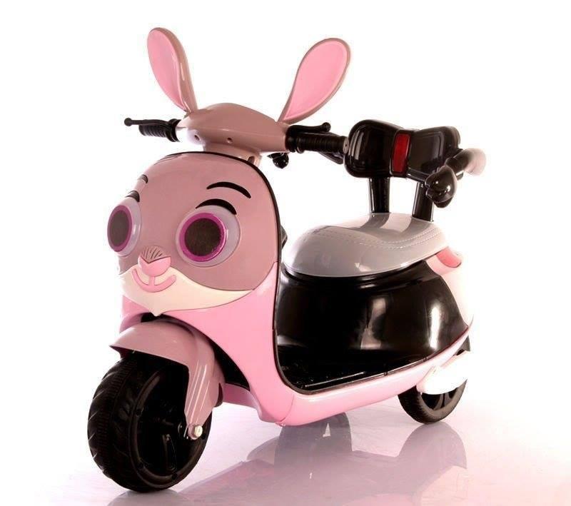 Xe máy điện trẻ em dành cho các bé gái với mẫu mã đa dạng.