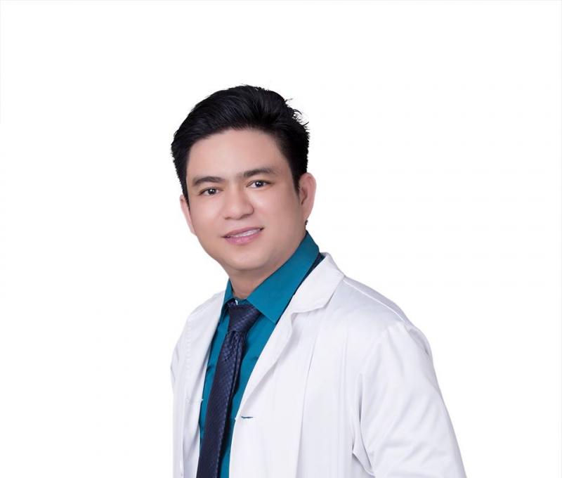 Bác sĩ thẩm mỹ Chiêm Quốc Thái