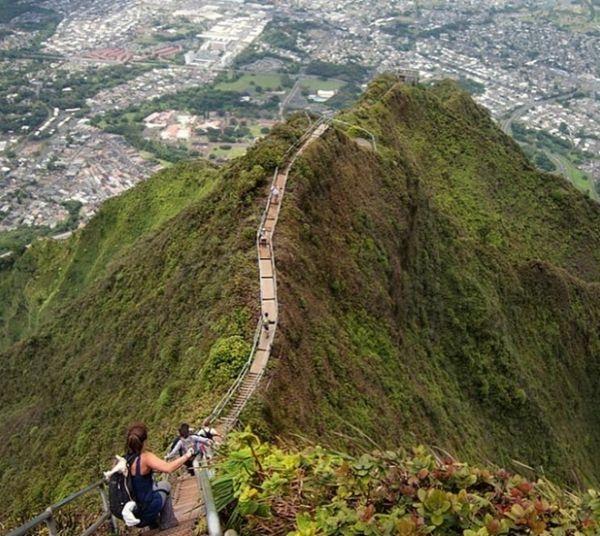Bậc thang Haiku ở Hawaii