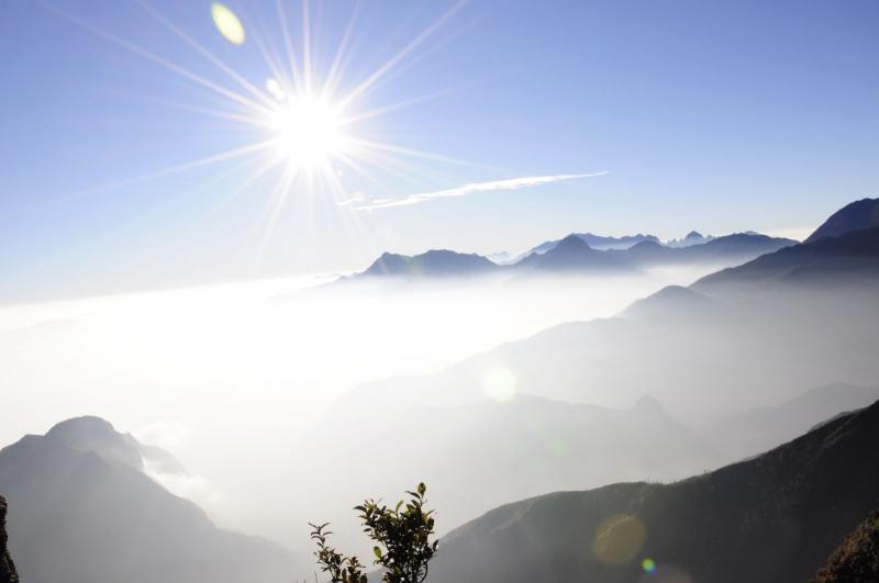 Điểm săn mây đẹp nhất Việt Nam, Săn mây, địa điểm Săn mây, tam đảo, Pinhatt, Đồi Thiên Phúc, Mường Móc, Mộc Châu, Fanxipan, SaPa, Tà Xùa, Sìn Hồ, Bạch Mộc Lương Tử, Y Tý, Đèo Ô Quy Hồ, Tà Chi Nhù, Địa điểm chụp ảnh