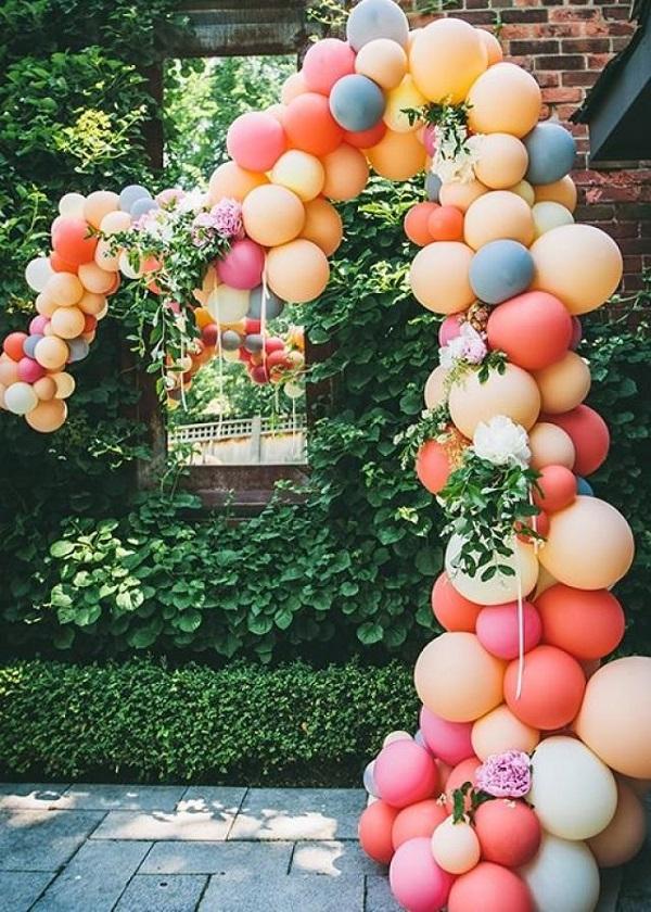 Những trái bóng đầy màu sắc này sẽ đem đến cho các bạn một backdrop sôi nổi và sinh động