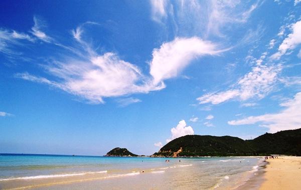 Bãi biển Đại Lãnh đẹp tuyệt vời!