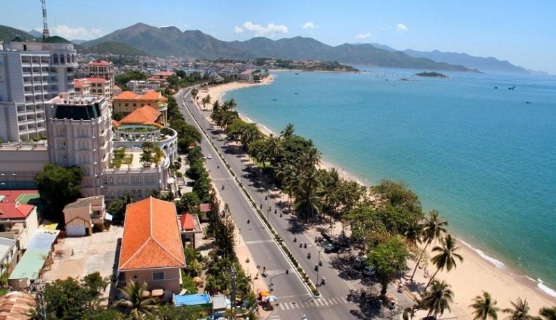 Bãi biển Nha Trang (Khánh Hòa)