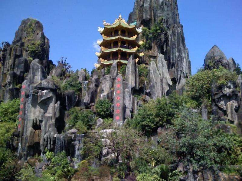 chân núi Ngũ Hành Sơn