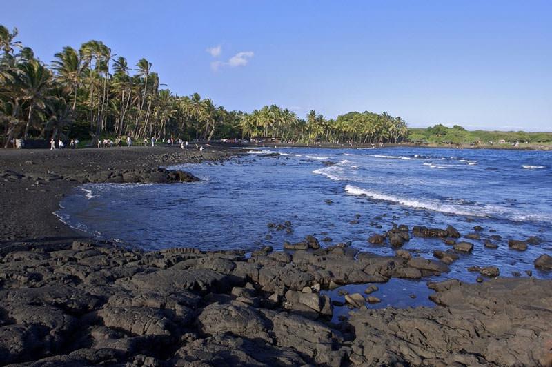 Bãi biển Punalu'u, Đảo lớn