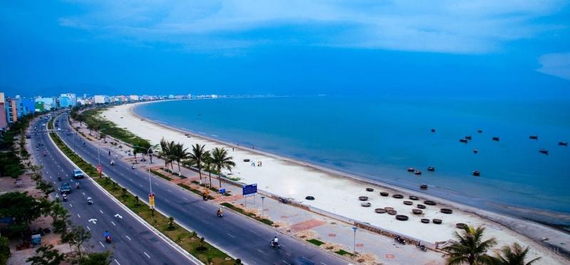 Bãi biển Thanh Bình giữa trung tâm thành phố