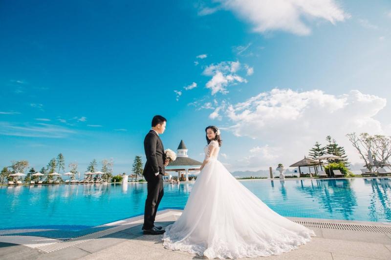 Chụp ảnh cưới tại Bãi Cháy