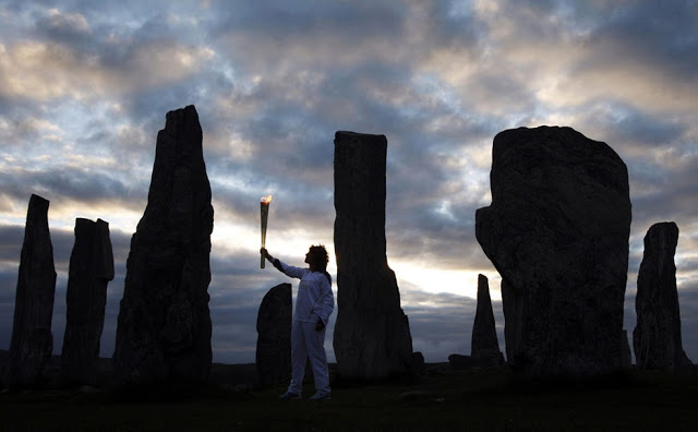 Bãi đá Callanish thuộc Đảo Lewis, xuất hiện từ khoảng 2900 trước công nguyên