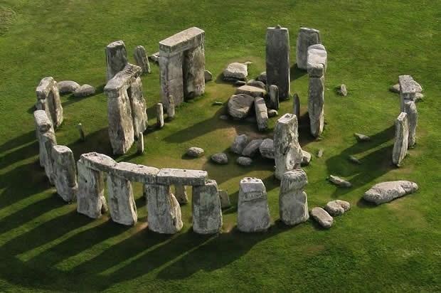 Di tích đá cổ Stonehenge là điểm đến hấp dẫn tại Anh
