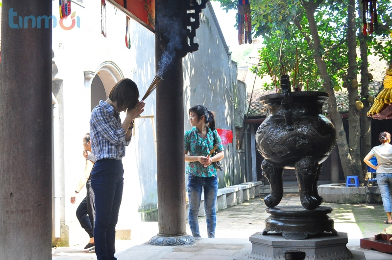 Lên học thuộc bài khấn trước khi đến chùa Hà cầu duyên