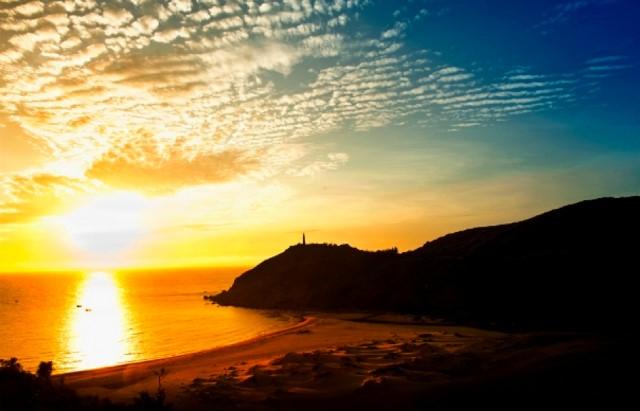 Bình Minh trên biển Bãi Môn