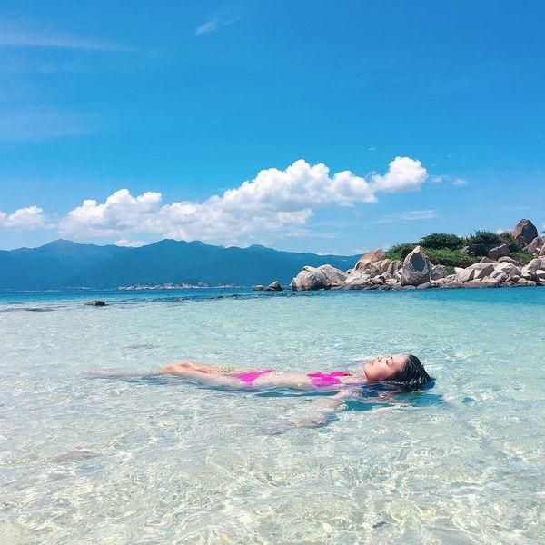 Tắm biển bãi Nồm