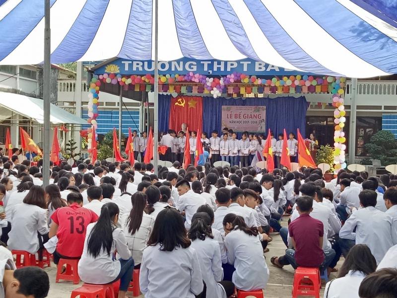 Lễ bế giảng năm học