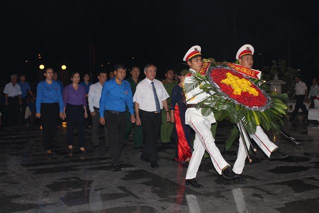 Bài phát biểu tri ân tại Lễ viếng Đài tưởng niệm các anh hùng Liệt sĩ (06).