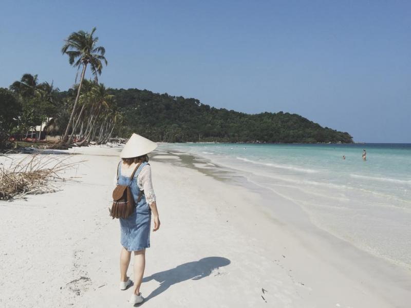 Bãi cát trắng mịn tinh khôi, quyến rũ ở Bãi Sao