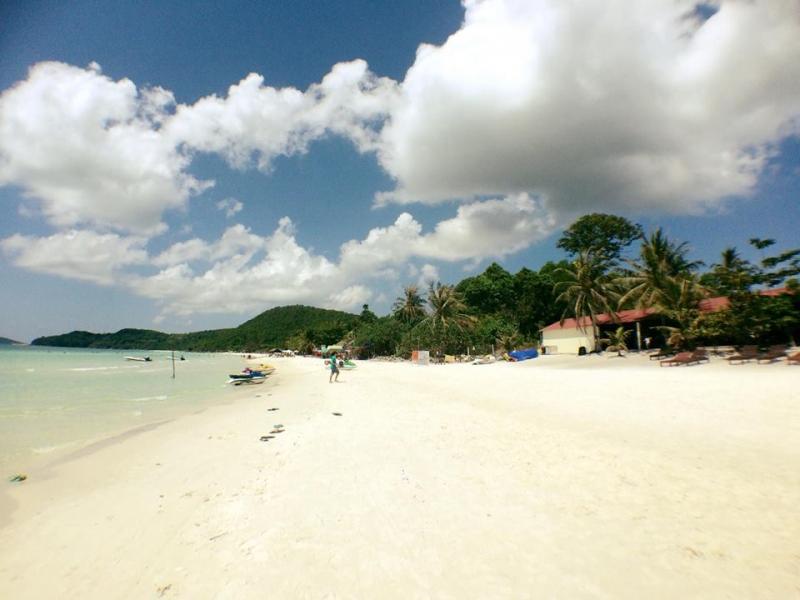 Khung cảnh xung quanh biển Bãi Sao Phú Quốc
