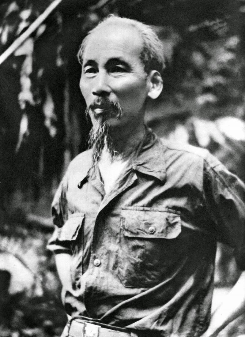 Bác Hồ là lãnh tụ vĩ đại của dân tộc Việt Nam