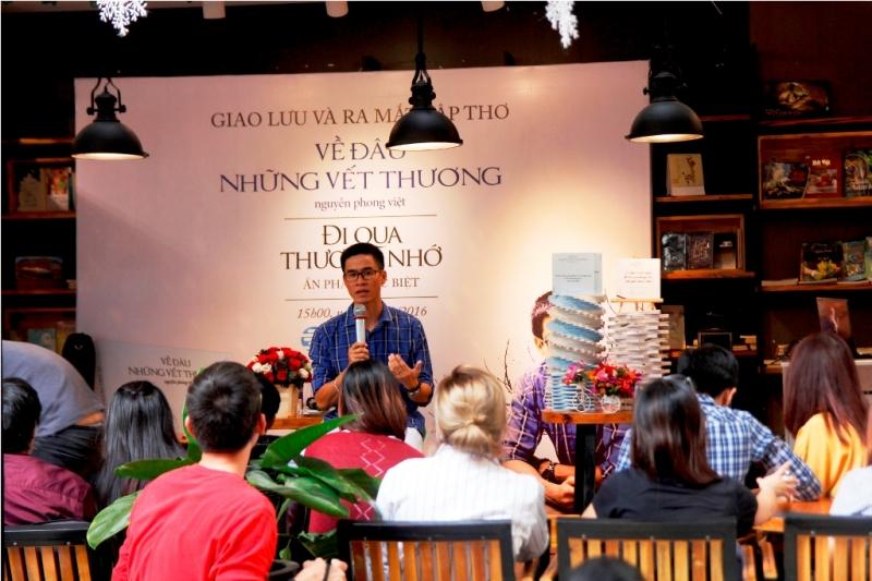 Buổi ra mắt tập thơ của Nguyễn Phong Việt