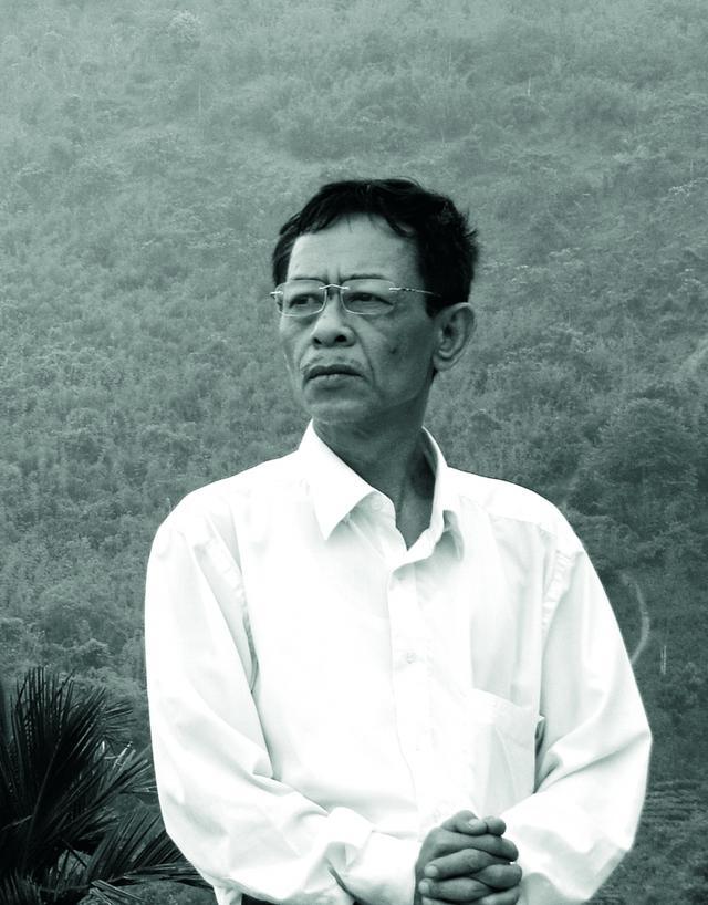 Top 10 Bài thơ hay của nhà thơ Hoàng Nhuận Cầm