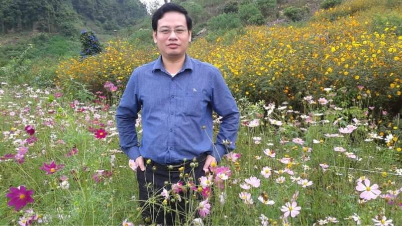 Ảnh chân dung bác sĩ, nhà thơ Nguyễn Toàn